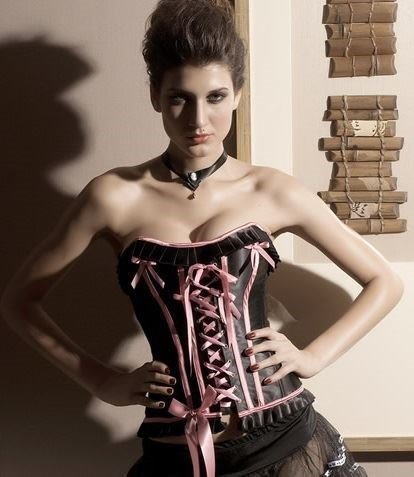Corset Chololate con lacitos.